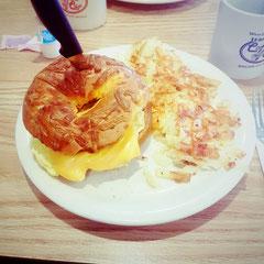 bestes Frühstück im World Famous Coffee Cup