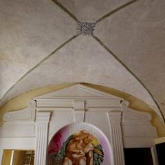 Hotel particulier - fresque murale - filets et rosaces peinture à la chaux