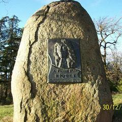 stèle du bassin de St Ferréol