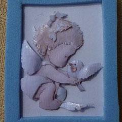 Ángel con paloma en la mano. 5 láminas 13 €