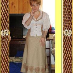 Костюм (юбка и кофточка) обережный, выполнены в технике Бродиевского письма