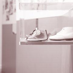 Vitrine en plexi pour Musée  de la chaussure, Paris