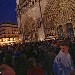 Veillée pour la Vie 2012, Notre Dame de Paris