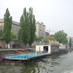 Donaukanal Badeschiff