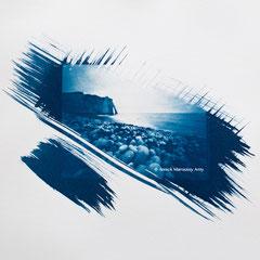 Étretat, cyanotype en aval - sténopé - 4x5 inches.  © Annick Maroussy