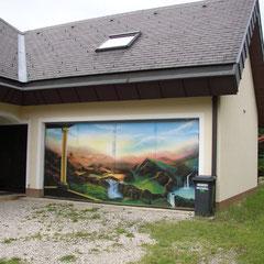 Einfamilienhaus / Garagentür