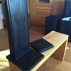 eichentisch mit glasplatte holzpur holzstelen als wohnidee eiche buche kirsche. Black Bedroom Furniture Sets. Home Design Ideas