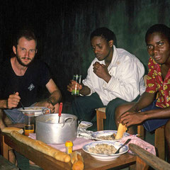 Côte d'Ivoire. Avec des amis