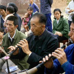 Chine. Enterrement dans un village