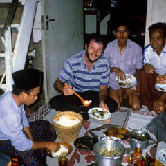 Indonésie. Accueil chez le chef de village à Bali