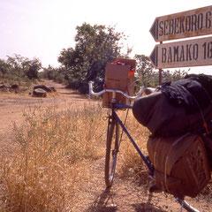 Mali. Sur la piste en direction de Bamako