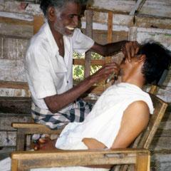 Inde. Chez le barbier