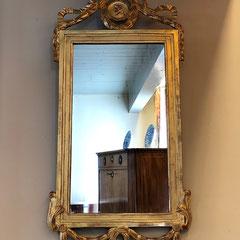 No 37 Franse Louis XVI spiegel - no. 84 (laatste kwart 18e eeuw) 87 c/m hoog 42 c/m breed.prijs op aanvraag.