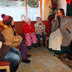 Märchenstunde beim Adventmarkt im Großarltal