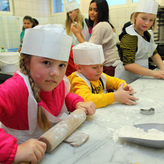 Salzburger Bergadvent - Kinder-Keksbackstube