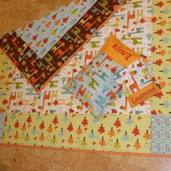 Geschenkset mit passendem Flausch- und Wärmekissen  (cremefarbener Stoff mit Giraffen vergriffen, mit braunem Hintergrund noch da)