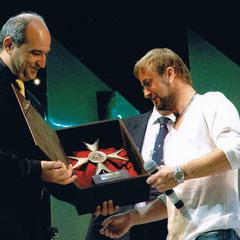 consegna del premio al cantante Marco Masini