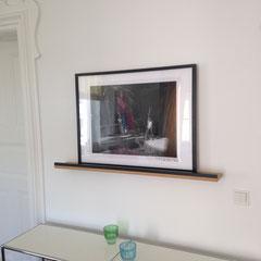 Tablar-Bilderhalterung in Eiche / schwarze Leiste