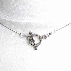 Collier  mit transparent-irisierenden Perlen (Verschluss)