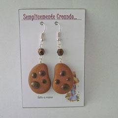 n. 12 orecchini Gocciole con perline sfaccettate