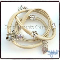 """BR.LY_004 Bracciale """"Pandora Style"""" - """"Stylish"""" in lycra elasticizzata colore beige con chiusura con moschettone (disponibile anche senza)"""