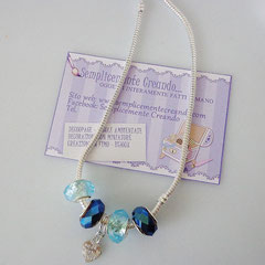 COL.AC_001 Collana Pandora Style nei toni del blu e acquamarina. Charm a forma di cuoricino. Chiusura a clip. Disponibile nelle misure cm 46 e 61.