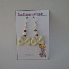 n. 04 orecchini fiocco in fimo e perline