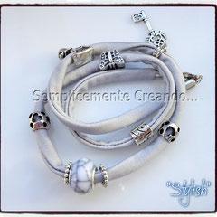 """BR.LY_002 Bracciale """"Pandora Style"""" - """"Stylish"""" in lycra elasticizzata colore grigio chiaro con chiusura con moschettone (disponibile anche senza)"""