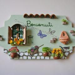 """n. 24 Targhetta """"Benvenuti""""  in legno (cm 18 x 9) decoupage/fimo/miniature"""