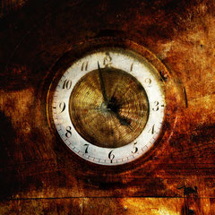 "<span style=""font-family: Ubuntu Condensed; letter-spacing:0.3em;"">THE CLOCK</span><br>"