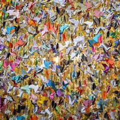 chacun chacune participera à sa façon et de l'entrée vous verrez les oiseaux suspendus...
