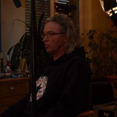 Klaus gibt ein Interview