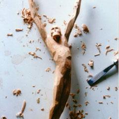 "Abb. 4: Josef Taucher, Christus, 1994, Holzkern, bereits ""kubistisch"", H 48 cm © Josef Taucher"