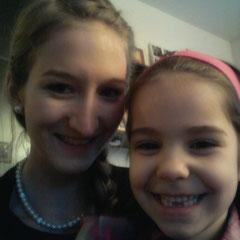 Juliana (eine meiner kleinen Zwillingsschwestern) mit mir ♥
