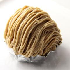 ♦モンブラン540円仏産最高級マロンを使用しました。生クリームと焼いたメレンゲの食感が魅力です。