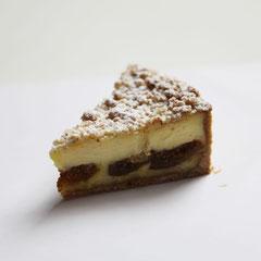 ♦フロマージュエペス濃厚で口溶けの良いチーズ生地と、いちぢくの食感がよい相性です。