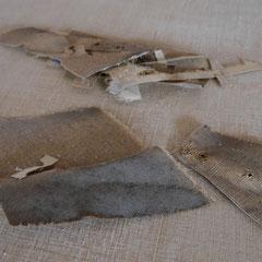Chutes de toile ancienne servant à restituer les manques de toile