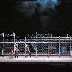 Carmen, Georges Bizet, livret H. Meilhac et L. Halévy. Direction musicale Christian Oronasu. Mise en scène de Laurent Laffargue. Scénographie E. Charbeau, Ph. Casaban.  Coproduction: Opéra National de Bordeaux et  Staatstheater Nuremberg Allemagne.