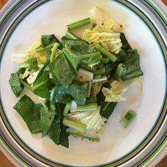 小松菜と白菜の生サラダ(唐辛子・ナンプラー・レモン汁)/fresh komatsuna and Chinese cabbage salad  (with chili, fish sauce, lemon juice )