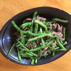 牛肉とインゲンの甘辛煮 / sweet & salty stir-fry with thinly sliced beef (beans cooked softer the better, seasoned with equal amounts of sugar, mirin, sake and soysauce)