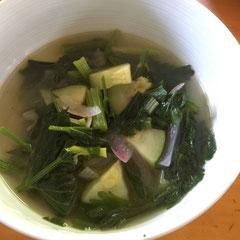 セロリとズッキーニのスープ / celery soup with zucchini - celery makes great soup stock.