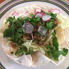 野菜たっぷりタコス / taco with lots of veggies