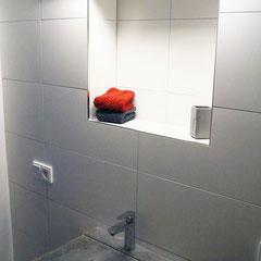 Beton Sonderanfertigung: Beton-Waschbecken Wandleuchte waagrecht aufgehängt Kundenwunsch
