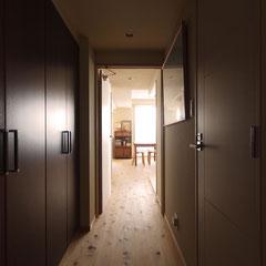 廊下からリビング