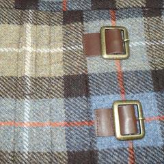 Verschiedenfarbige Schließen und Lederriemen -Buckle and Straps