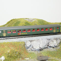 44324 Roco SBB Personenwagen EW II 2.Kl grün neue Symbol