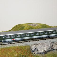 5745 SBB RIC Personenwagen Bpm grün-grau 2. Klasse mit neuer Beschriftung