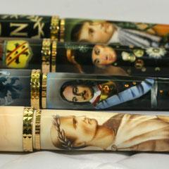 Miniature ad aerografo by Lorena Straffi su penne da collezione Tibaldi