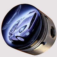 Dipinto ad aerografo con Aston Martin