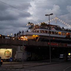 """... der dauer ankerplatz: ecke lagerhaus-/thalkirchnerstraße. """"ahoi!"""""""